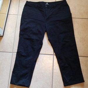 Liz Claiborne Black Cotton Cropped Pants 14